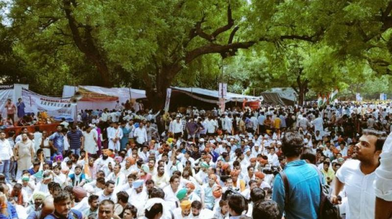 Youth Congress members protest against NDA govt under the name 'Bharat Bachao Andolan' at Delhi's Jantar Mantar. (Photo: Twitter)