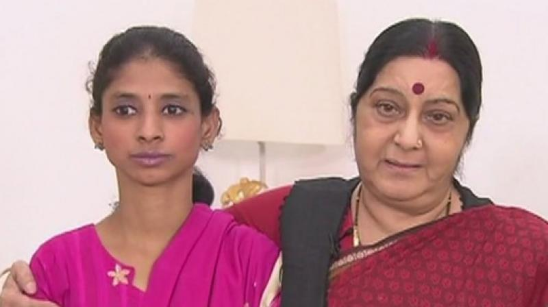 Swaraj announces Rs 1 lakh reward for helping Geeta unite with