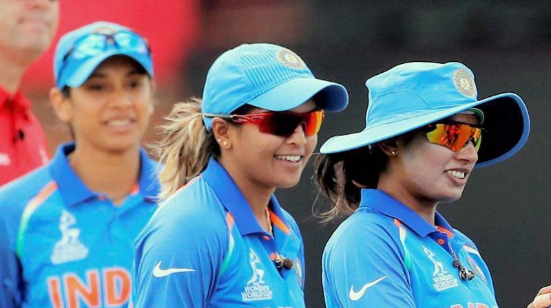 Dane Van Niekerk, Lizelle Lee snap India's winning streak