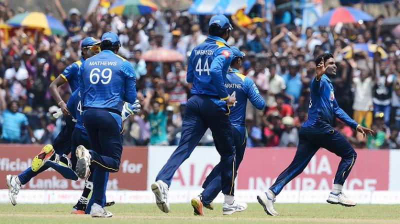 Sri Lanka give debut to teen Hasaranga in second ODI