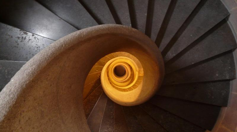 A lot of people working in office buildings have access to stairs, so it is an option to keep some fitness while taking a short break from work. (Photo: Pixabay)