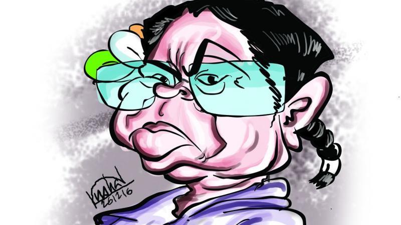 Amid disintegrating opposition, shrill Mamata grabs eyeballs at Rahul show