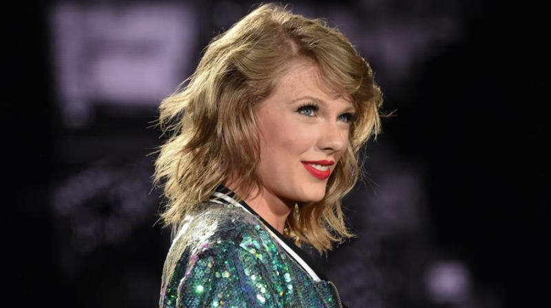 DJ Mueller denies Taylor Swift's accusations: 'I did not grab her'