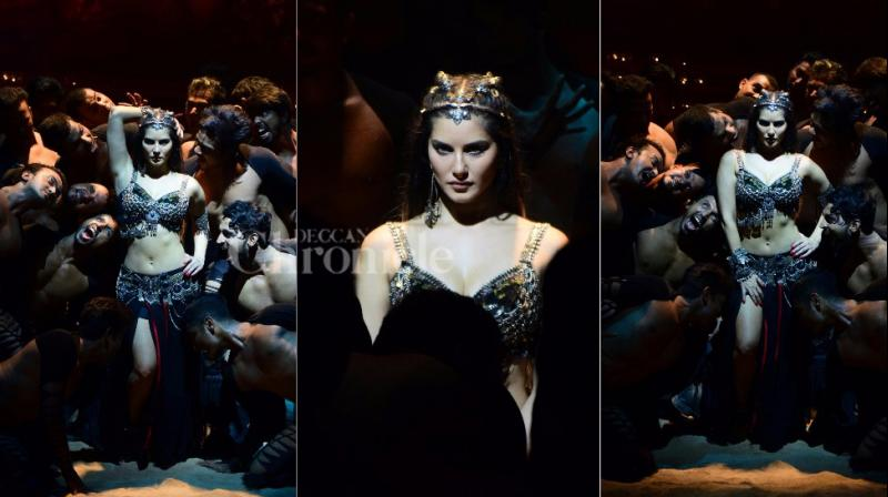 Sunny Leone shooting for an item number for Omung Kumar's 'Bhoomi'.