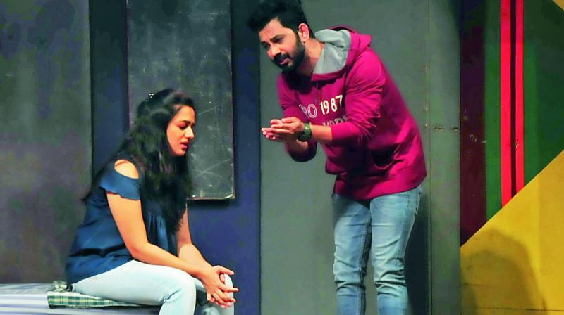 Contrast of life on stage Spruha Joshi And Umesh Kamat
