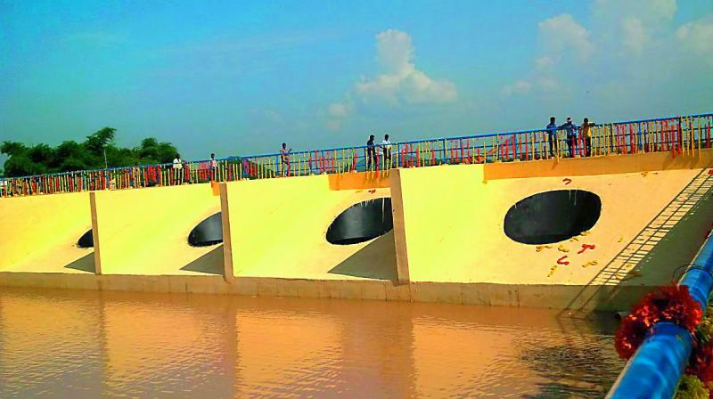 Godavari River receives a mere 1000 tmc ft of water