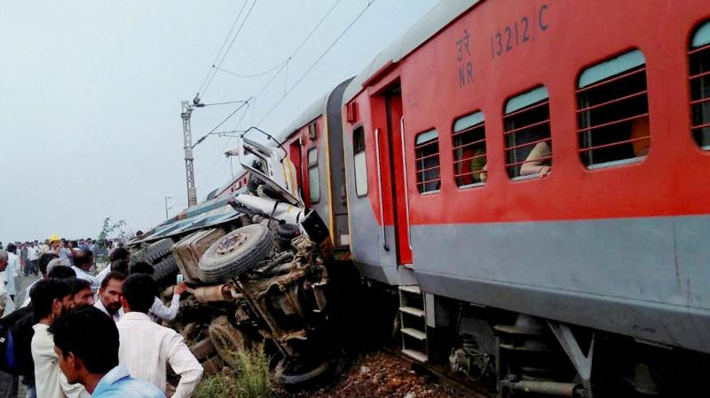 74 injured after 10 coaches of train derail in north India