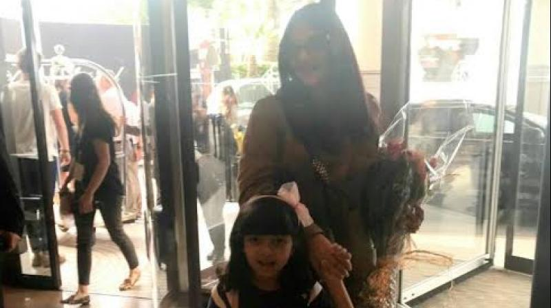 Aishwarya Rai Bachchan with daughter Aaradhya at Cannes.