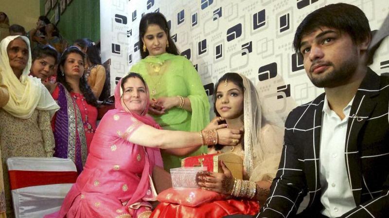 Olympic Medalist Sakshi Malik Gets Engaged to Fellow Wrestler