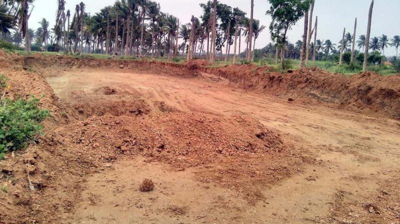Drought forces kovai farmers to sell fertile soil for Fertile soil 07