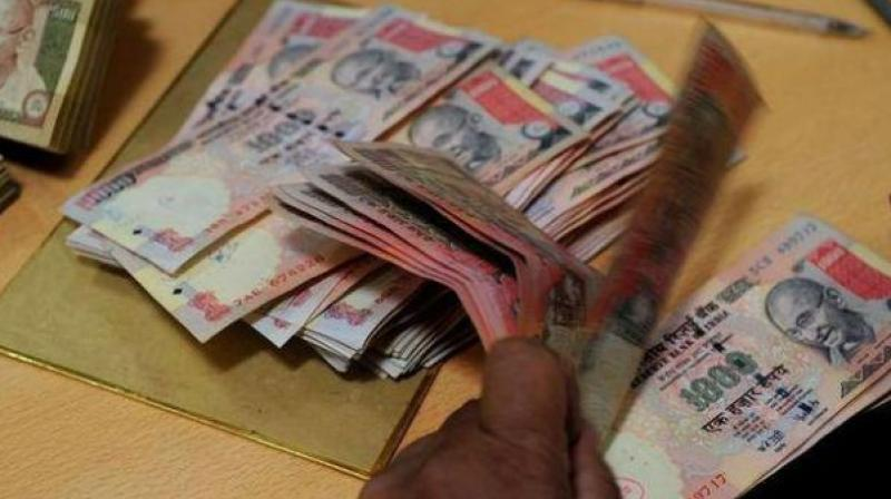 While demonetising the high-value currency notes on Tuesday, the government had permitted people to use such notes for payment of certain services. (Photo: File)
