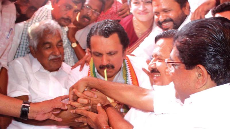 Kerala law academy protest congress bjp eye credit for V muraleedharan bjp