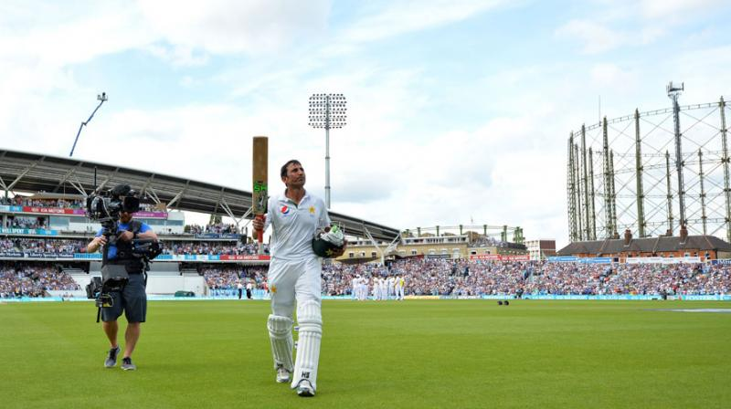 Younis becomes first Pakistani to complete 10000 test runs