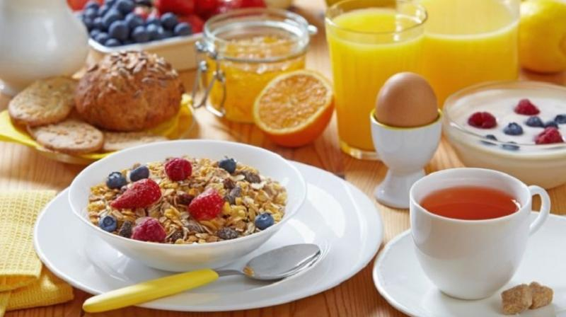 Skipping breakfast could increase risk of heart attacks, study finds