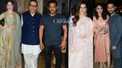 Bollywood stars continued with the series of parties that have started with the festival of Diwali kicking in at producer Ramesh Taurani's bash held on Sunday. (Photo: Viral Bhayani)