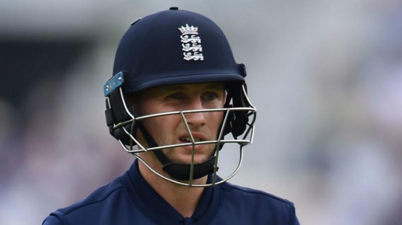 England bat first in Champions Trophy v NZ