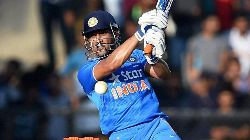 Dhoni says split captaincy doesn't work