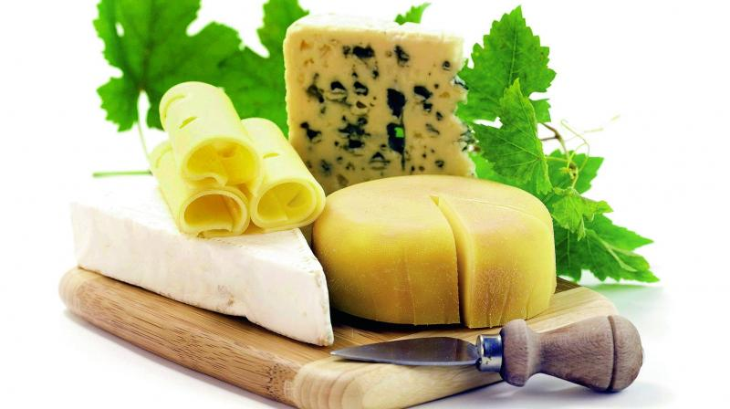 Cheese can be categorised as soft fresh cheese (including cream and curd cheese), fermented cheese and processed cheese.