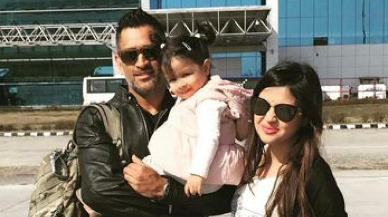 Ziva, Sakshi cheer for India and MS Dhoni, see pic