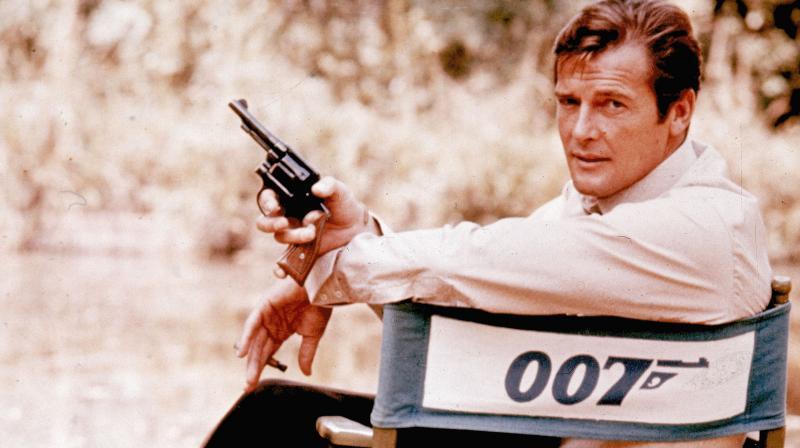 'James Bond' star Roger Moore dead