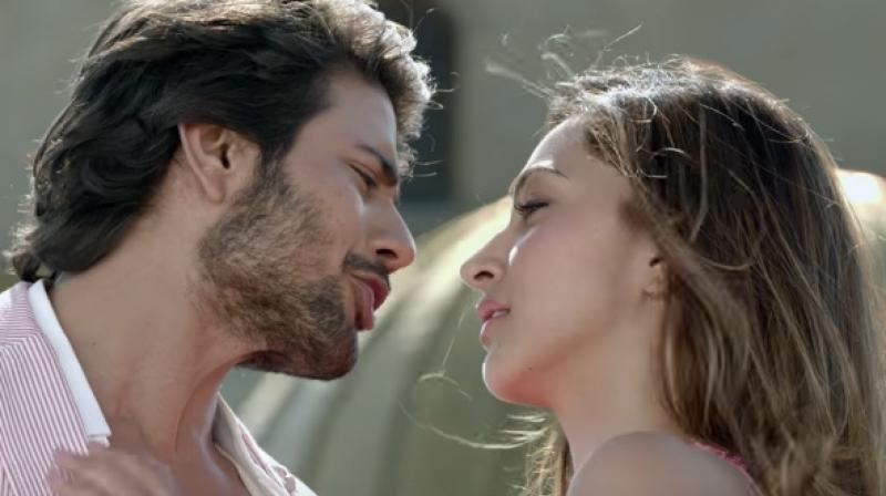 Mustafa and Kiara Advani in 'Machine.'