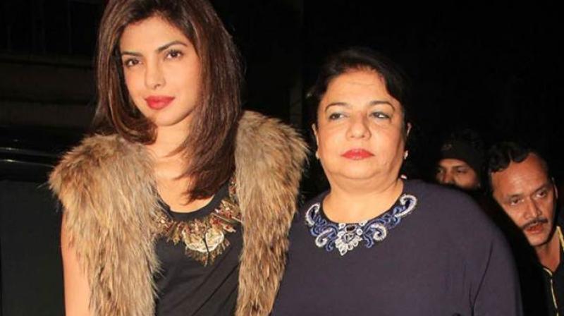 Priyanka Chopra with mother.