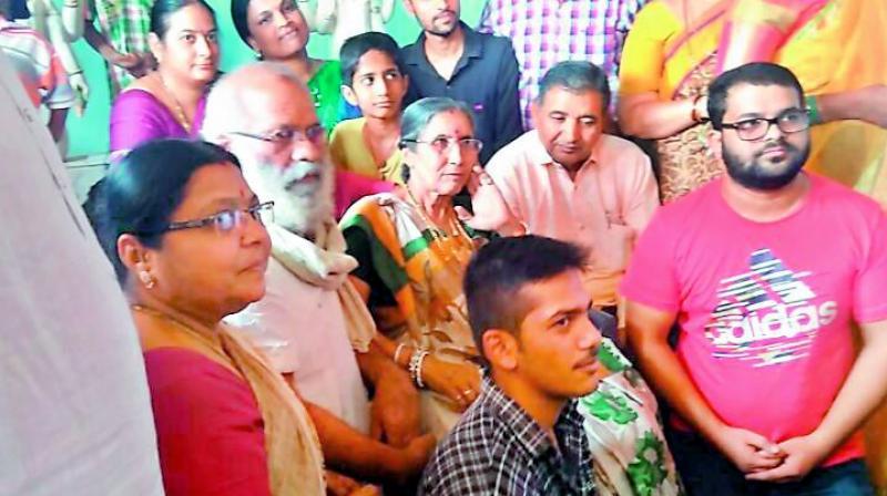 Modi's wife worships at telangana temples