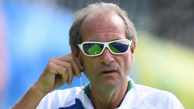 Hockey India sacks chief coach Oltmans