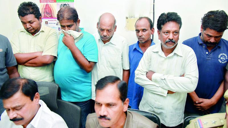 Hyderabad: 6 Men Nabbed In Job Racket