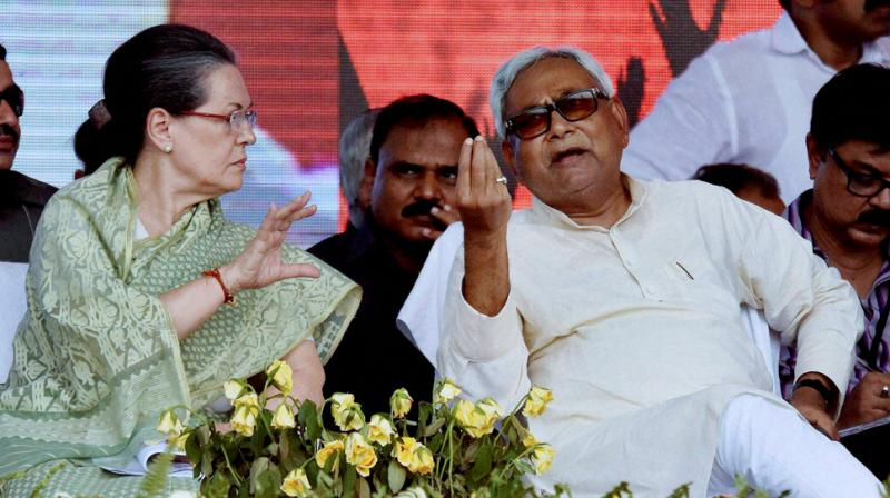 Presidential poll on mind, Yechury meets Sonia Gandhi