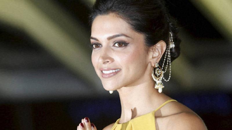 Deepika is being conferred with the  'Most popular Indian actress on social media' award, while Amitabh Bachchan will receive  the 'Most popular Indian on social media' award