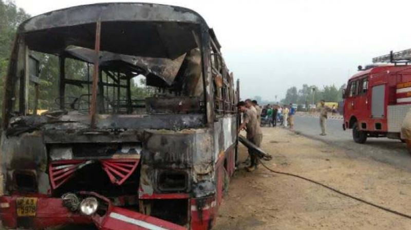 22 charred to death after bus collides with truck in UP's Bareilly