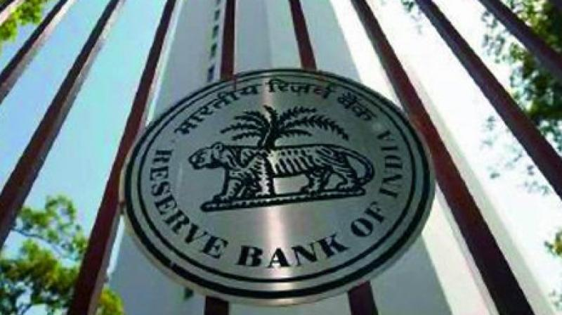 RBI imposes curbs on old note deposits exceeding Rs 5000