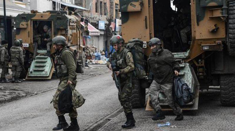 Turkish soldiers hospitalized with food poisoning