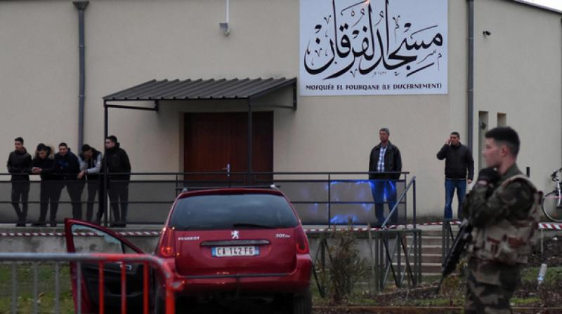 Shootout reportedly occurs outside mosque in France