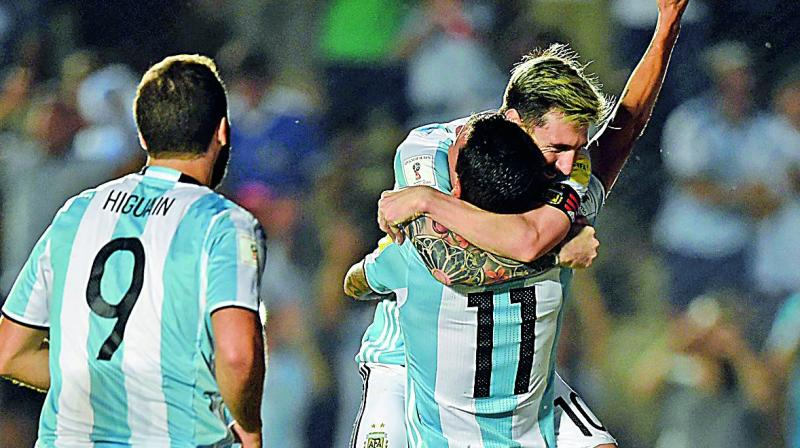 Sanchez grabs brace for Chile
