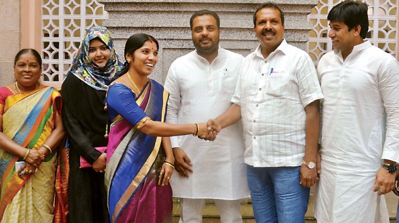 Deputy Mayor Padmavathi Narasimhamurthy, greeting the newly elected standing committee membersin Bengaluru on Friday (Photo: DC)