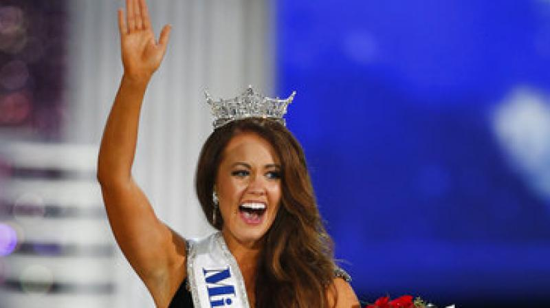 Miss North Dakota Cara Mund waves to crowd after being named Miss America during the Miss America 2018 pageant, Sunday, Sept. 10, 2017, in Atlantic City, N.J. (Photo: AP)