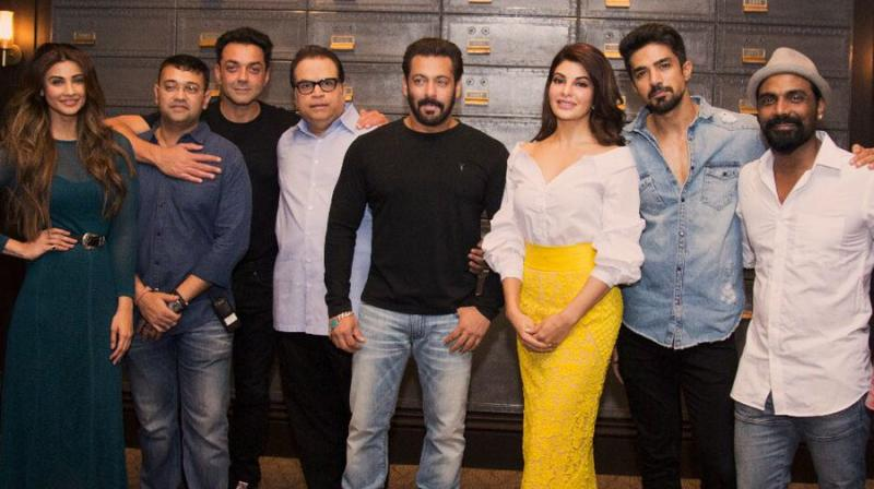 Daisy Shah, Bobby Deol, Ramesh Taurani, Salman Khan, Jacqueline Fernandez, Saqib Saleem and Remo D'Souza pose for the cameras.