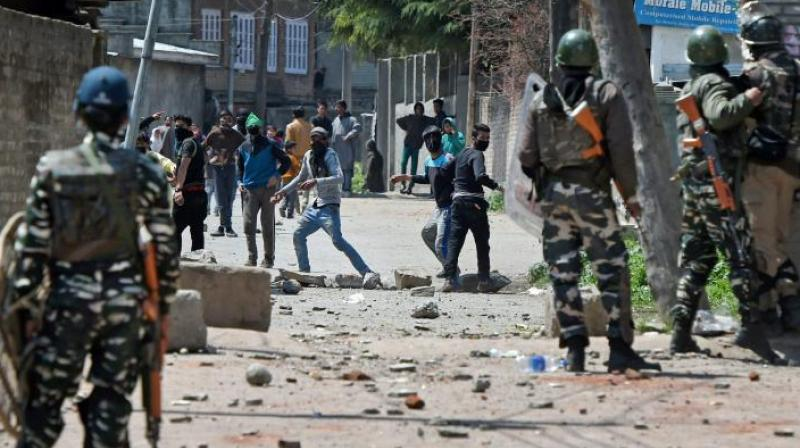 Violence escalates after Kashmir by-election day