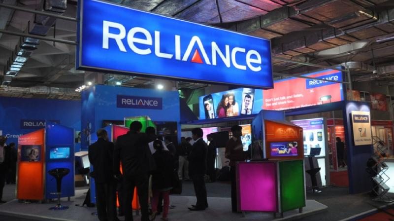 RCom shares extend losses; end over 3 per cent lower