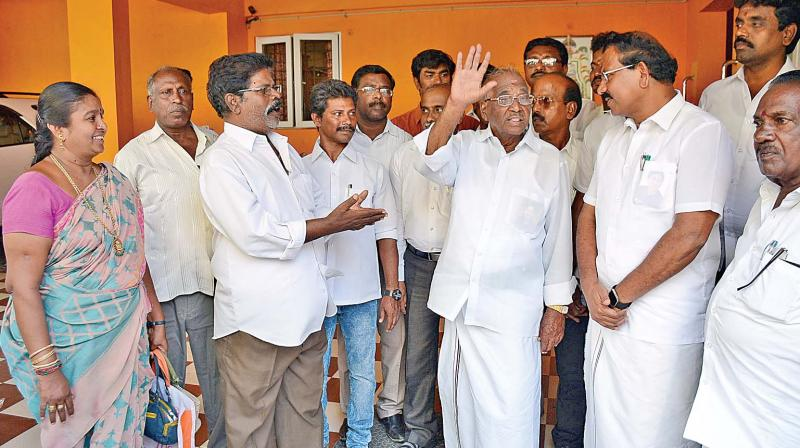 'Hat' symbol is temporary, 'two leaves' will come back to us: Thambidurai