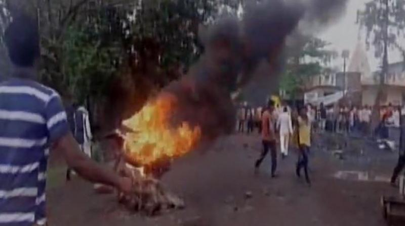 Farmers' protest turns violent on Thane-Badlapur highway