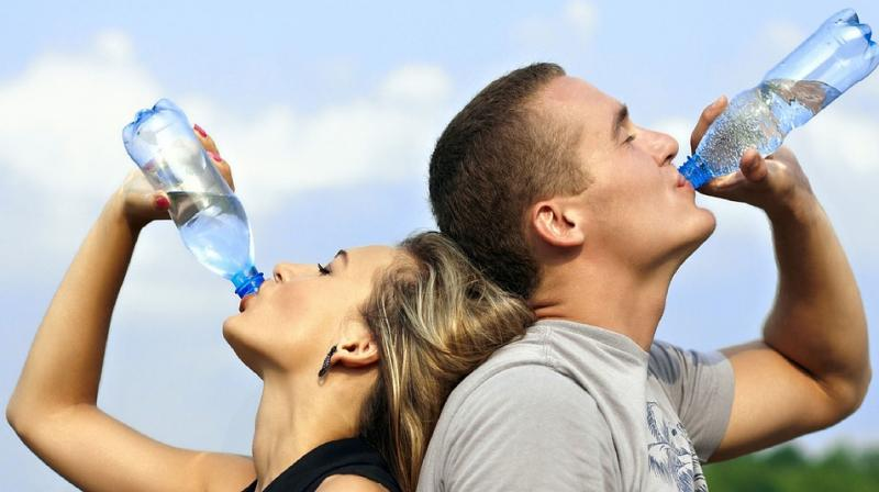 Adult men should drink 13 cups of water daily while women should consume nine (Photo: Pixabay)