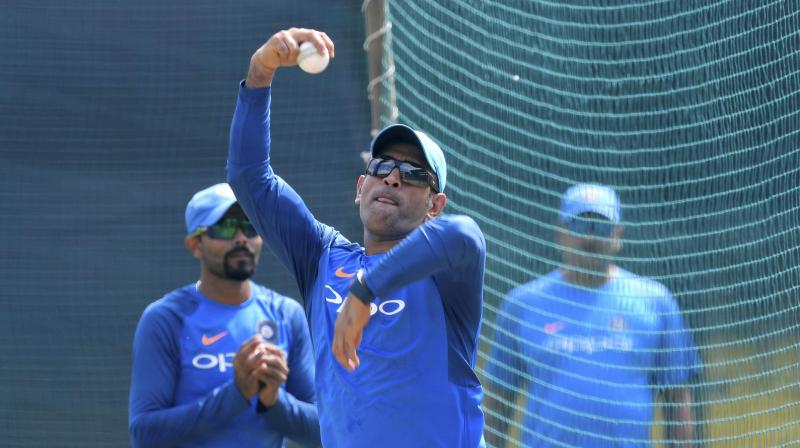Dhoni Bowls Spin at India Nets