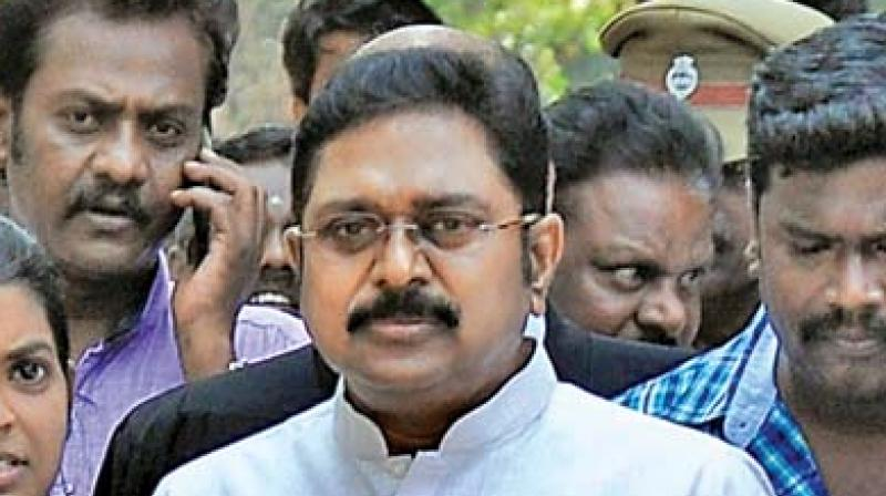 Dhinakaran warns AIADMK factions to mend their ways