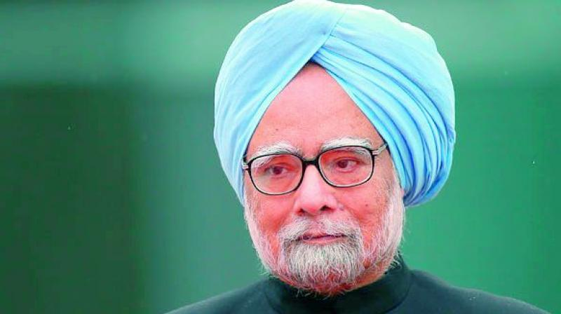 'Hasty' GST to hit growth: Manmohan Singh