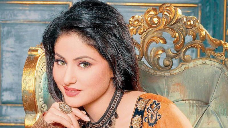 Exclusive Bigg Boss 11: Arshi Khan Makes Shocking Comments On Hina Khan!