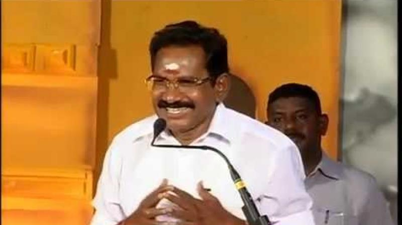 TN Minister Sellur Raju praises Sasikala's 'hard work', raises eyebrows