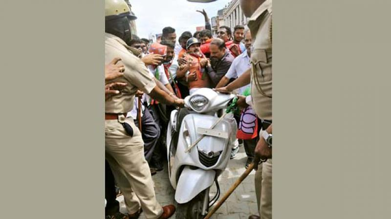 Mangalore Chalo rally: BJP's firm despite police crackdown